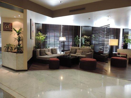 Husa President Park: lobby