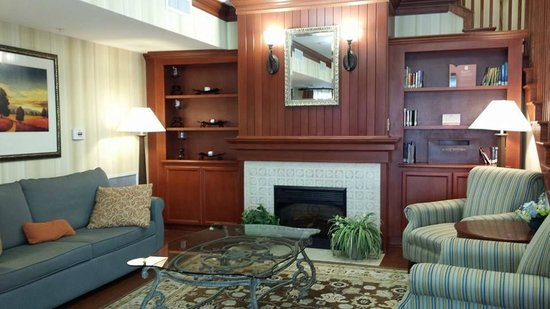 Country Inn & Suites By Carlson, Richmond West at I-64: Lobby