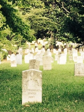 Oakland Cemetery: Civic War Soldiers
