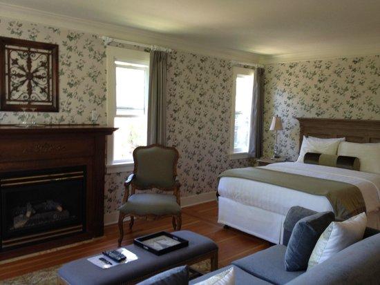 Rosewood Victoria Inn: Room