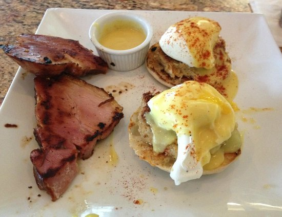 Lobster Lady Seafood Market & Bistro: Crab Cake Eggs Benedict