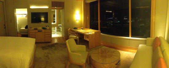 The Ritz-Carlton, Millenia Singapore: room