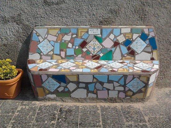 Sant'Angelo (Serrara Fontana) : A bench for the friends of Sant' Angelo