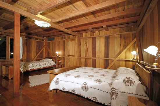 Casa Divina Lodge: A downstairs triple room
