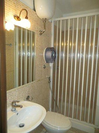 Hotel il Papavero : Barhroom