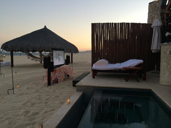 Las Ventanas al Paraiso, A Rosewood Resort: Beach cinema at cabana