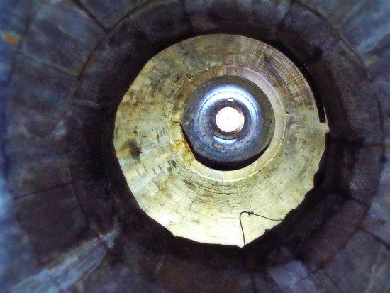 Cementerio de Glasnevin: inside daniel o connell tower
