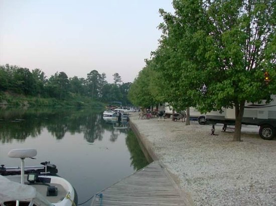 Lake hamilton rv resort hot springs ar campground for Fishing resorts in arkansas