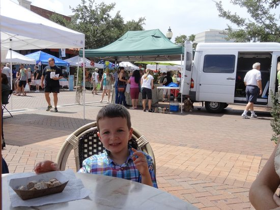 Sarasota Farmers Market: We were able to sit and enjoy a little lunch.
