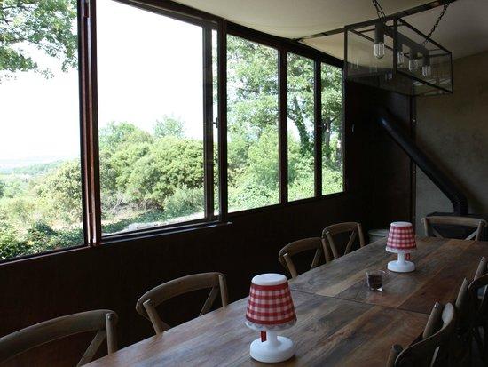 Une Sieste en Luberon : Guest Dining Area
