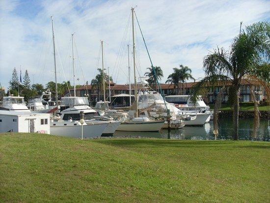Sails Port Macquarie by Rydges: The resort with boats in forground