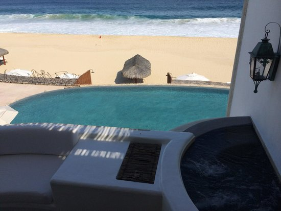 Las Ventanas al Paraiso, A Rosewood Resort: Hot tub on the balcony