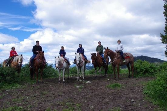 Heart Six Guest Ranch : Our family ride