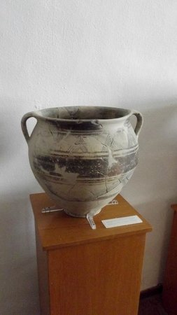 Archaeological Museum: some pottery was at least 5000 years old