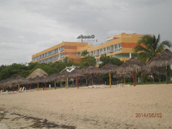 Playa Ancon, Kuba: vista del hotel desde la playa