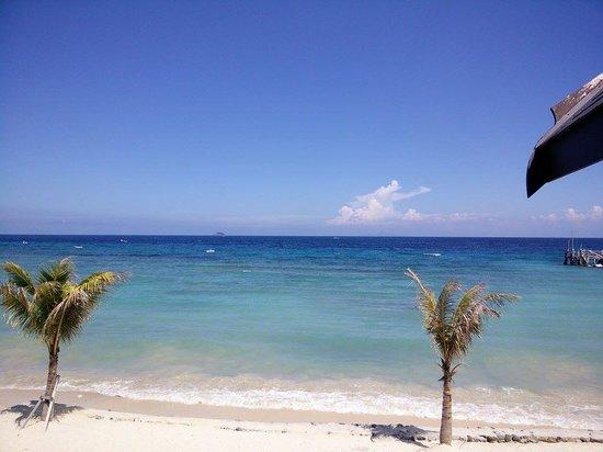 Tunamaya Beach & Spa Resort - Tioman Island: Beach