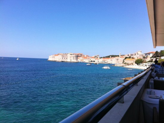 Hotel Excelsior Dubrovnik: View from the breakfast room