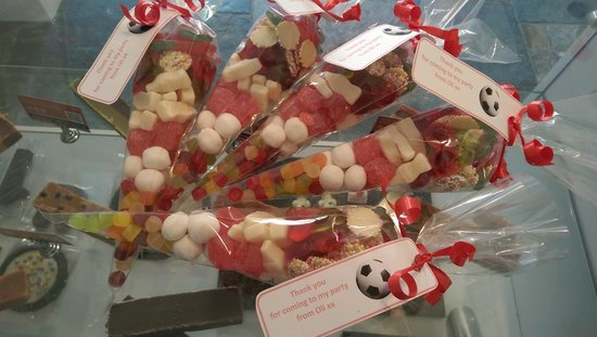 Creative Candy Taunton: Personalised sweet cones