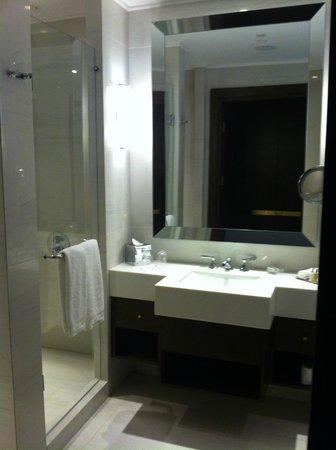 Marti Istanbul Hotel: bathroom