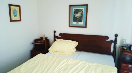 Gästehaus Scheck : Charming, oldfashioned furnished rooms