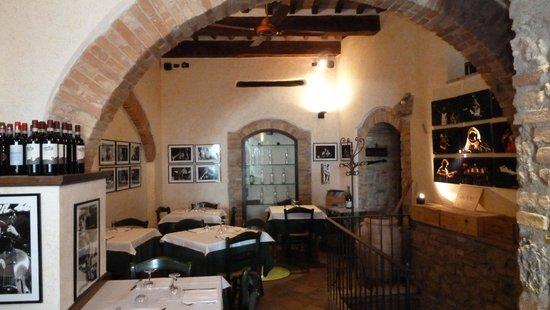 dulcisinfundo: Main dining