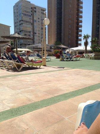 Apartamentos Les Dunes Suites : pool area