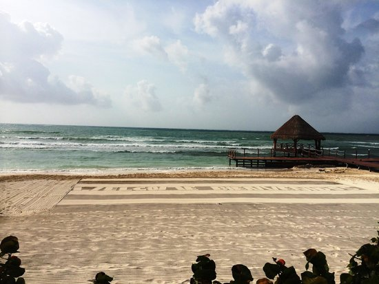 Secrets Silversands Riviera Cancun : They write in the sand in the mornings