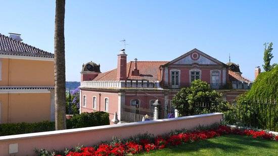 Olissippo Lapa Palace : View from the entry