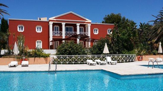 Pueblo Menorquin: hotel pool