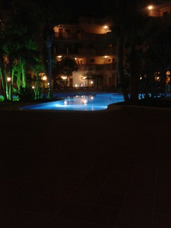 Suite Hotel Elba Castillo San Jorge & Antigua: Gorgeous pool at night