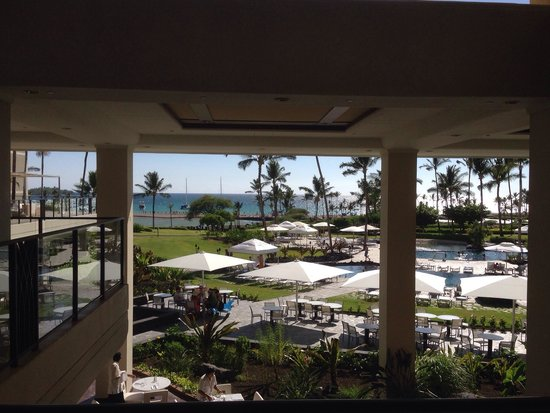 Waikoloa Beach Marriott Resort & Spa: View from the lobby while checking in
