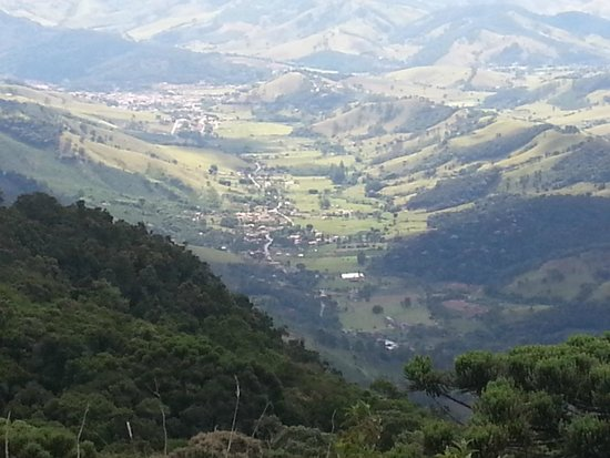 Pousada do Quilombo Resort: Vista do Vale- vá de carro sem medo.