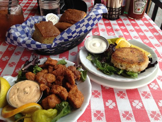 Tooloulou's : Alligator Bites, a Crab Cake and Cornbread
