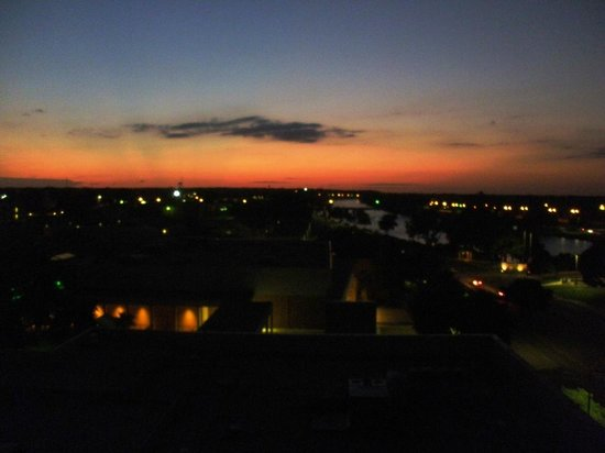 Hilton Waco: Sunset over Waco (from our bedroom window)