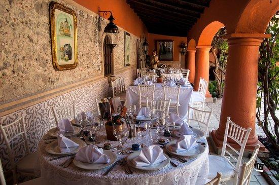 Antigua Villa Santa Monica: Courtyard