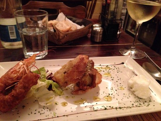 L'Artist : Juicy king prawn tempura with crusty foie gras and lemon sorbetto with extra virgin oil