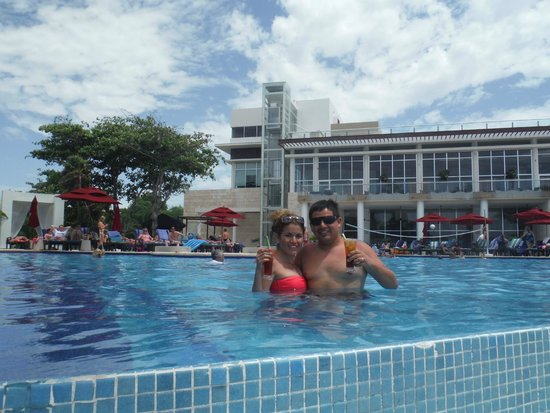 Azul Beach Resort The Fives Playa Del Carmen: EN LA ALBERCA