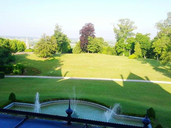 Chateau de Mirambeau : belle vue le matin
