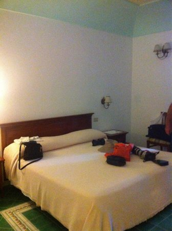 Hotel California: Large room