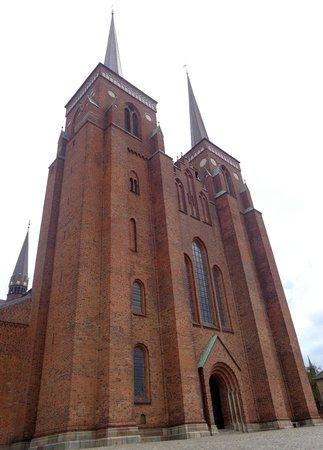 Roskilde Cathedral: Roskilde Domkirke outside