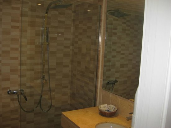 SENTIDO Tucan : BATHROOM