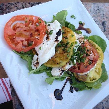 Si Bon: Caprese Salad