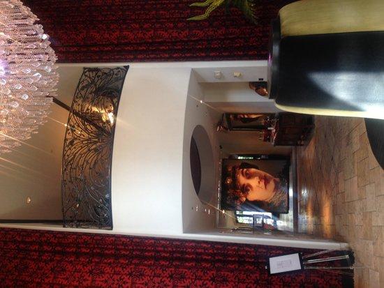 Hotel ZaZa Dallas: Zara lobby