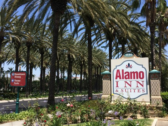 Alamo Inn & Suites: 15 minutes from Disneyland