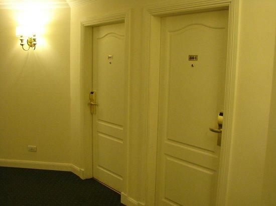 Scala Hotel: Hall interno