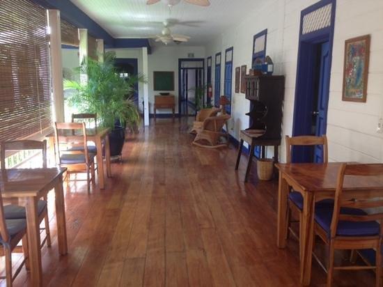 La Posada Azul: The calm and inviting porch where breakfast is served