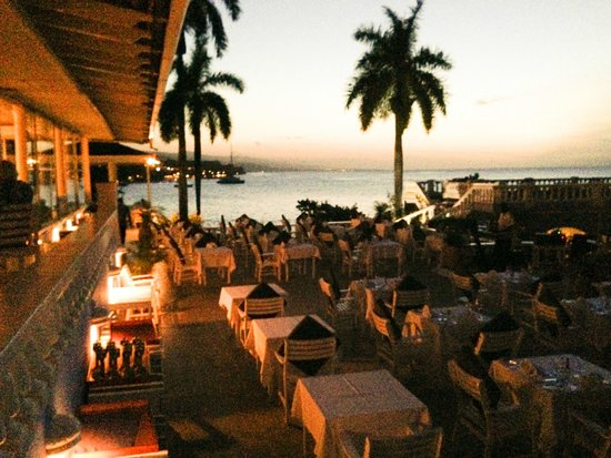 Jamaica Inn: The dining view at sunset