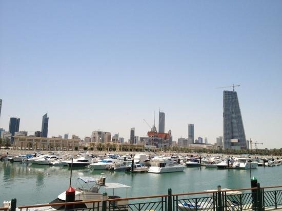 Souk Sharq: On the water side