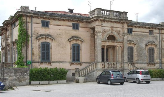 B&B Castello Vecchio : vu de la place