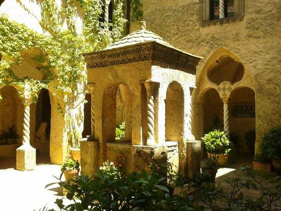 Chiostro Picture Of Villa Cimbrone Gardens Ravello